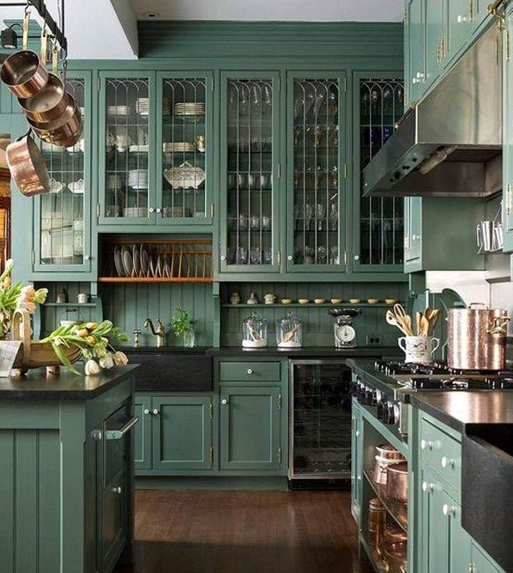 Кухня в стиле модерн должна быть наполнена раритетными аксессуарами