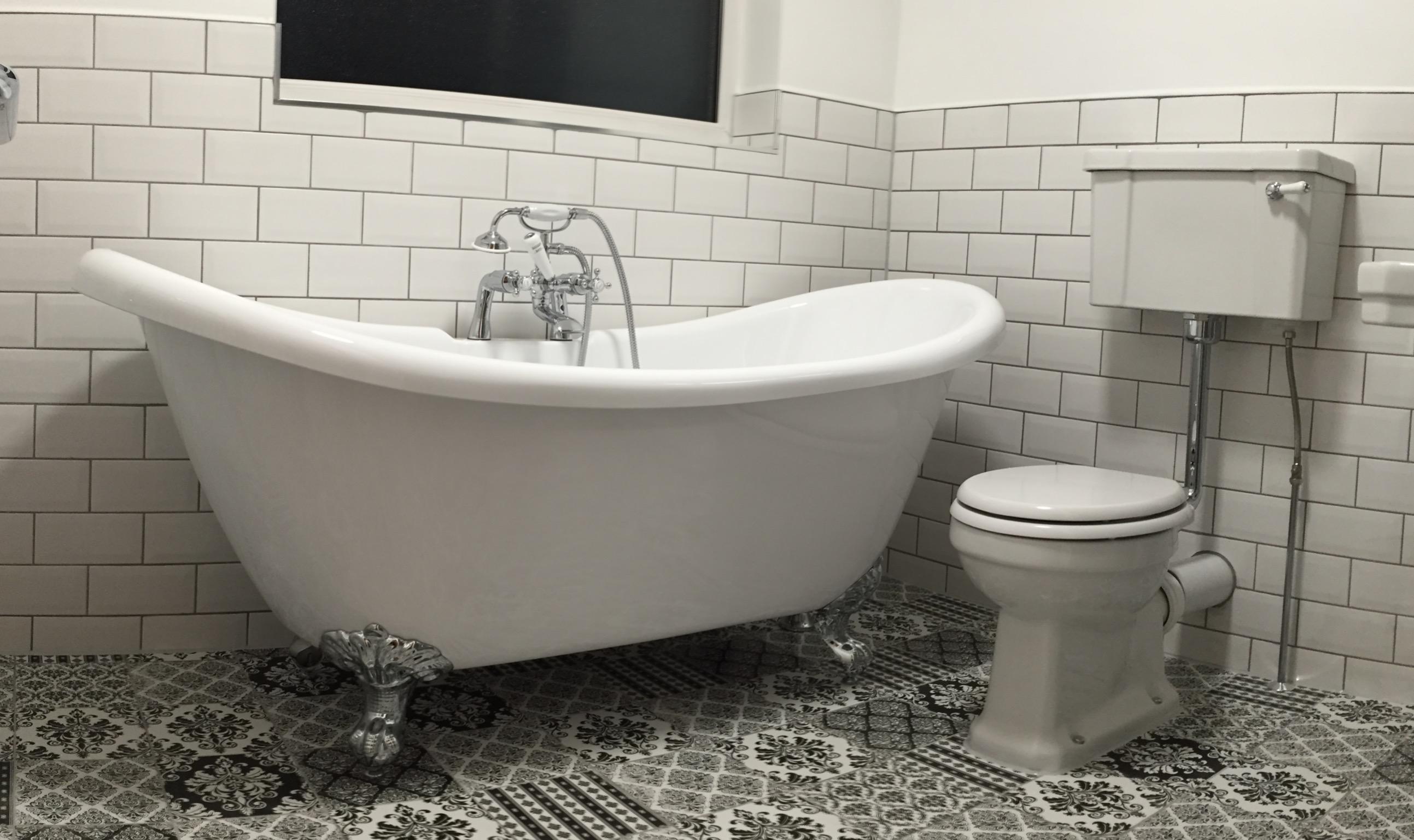 Мозаика на полу в ванной в викторианском стиле