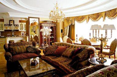 оформление потолка в классической гостиной