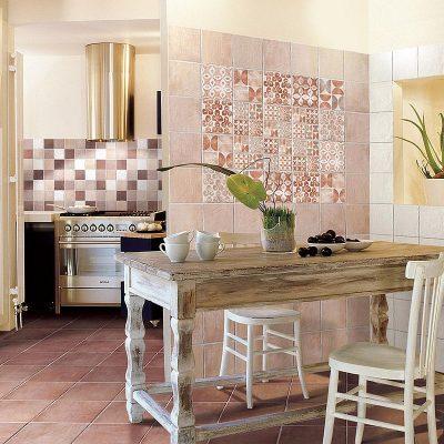 Акцент на плитке пэчворк на кухне