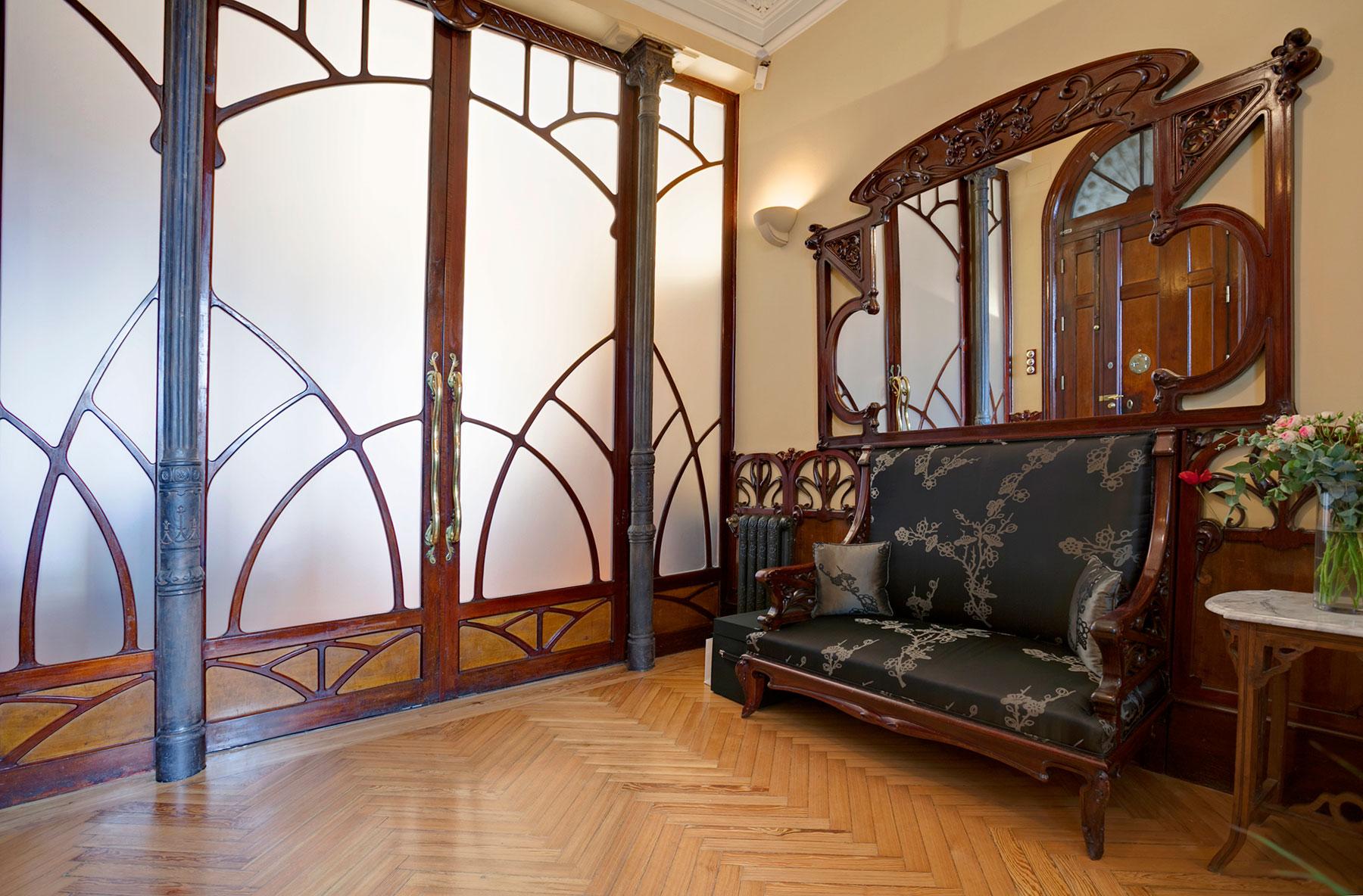 Природные мотивы можно увидеть в отделке, мебели и аксессуарах