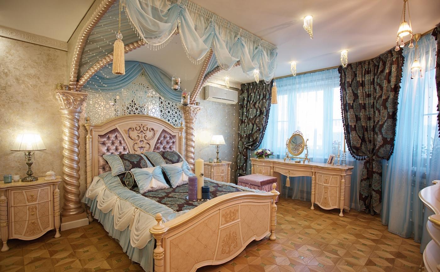 Кровать в дворцовом восточном стиле