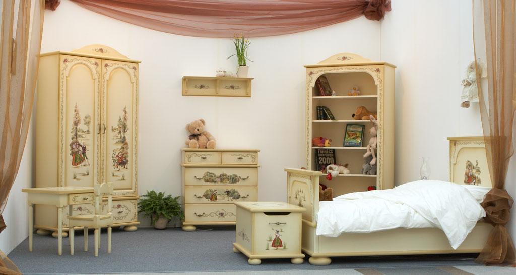 Роспись мебели в детской в стиле прованс