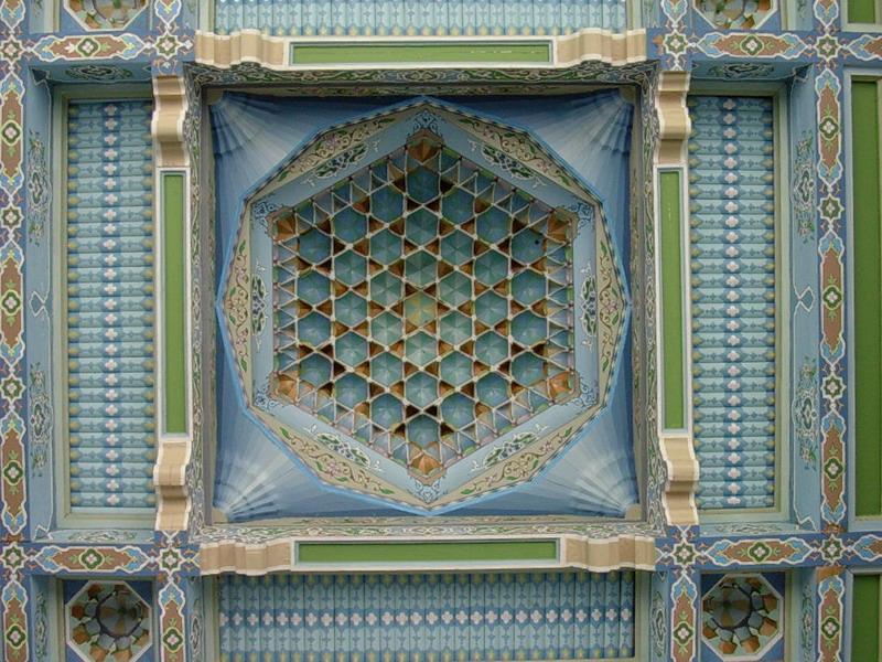Роспись потолка в арабском стиле