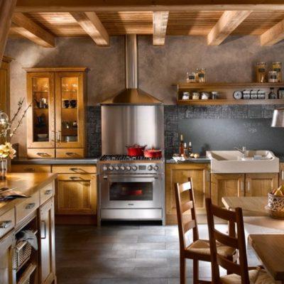 Идея небольшой кухни в деревенском стиле