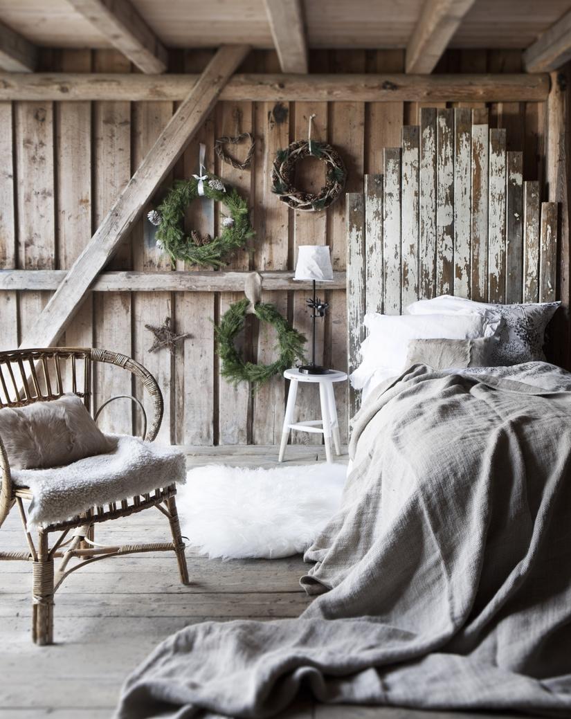 Состаренная мебель в деревенском стиле шале