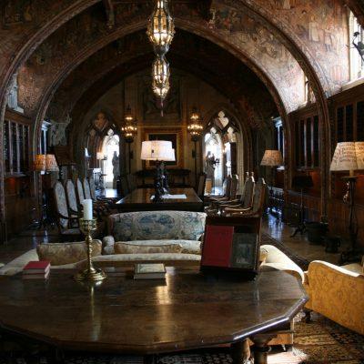 столовая в готическом стиле
