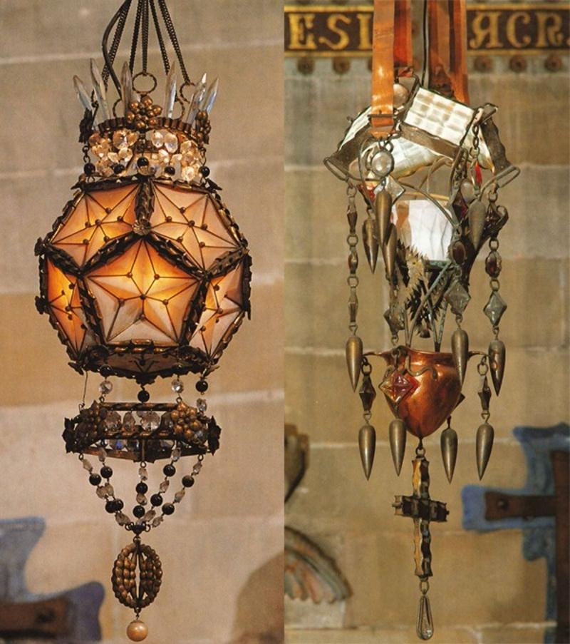 Светильники Гауди для крипты храма Святого Семейства