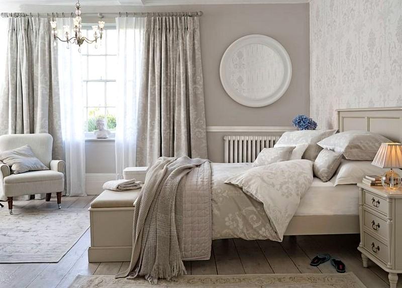 светлые шторы в спальне
