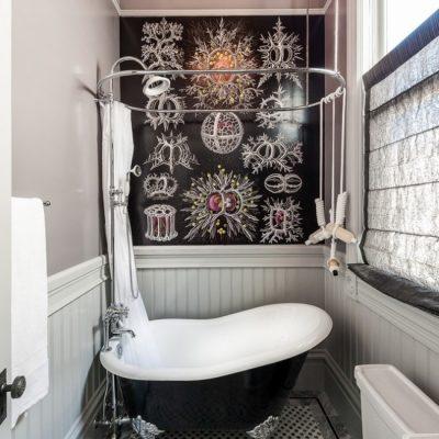 Узкая ванная в стиле ретро