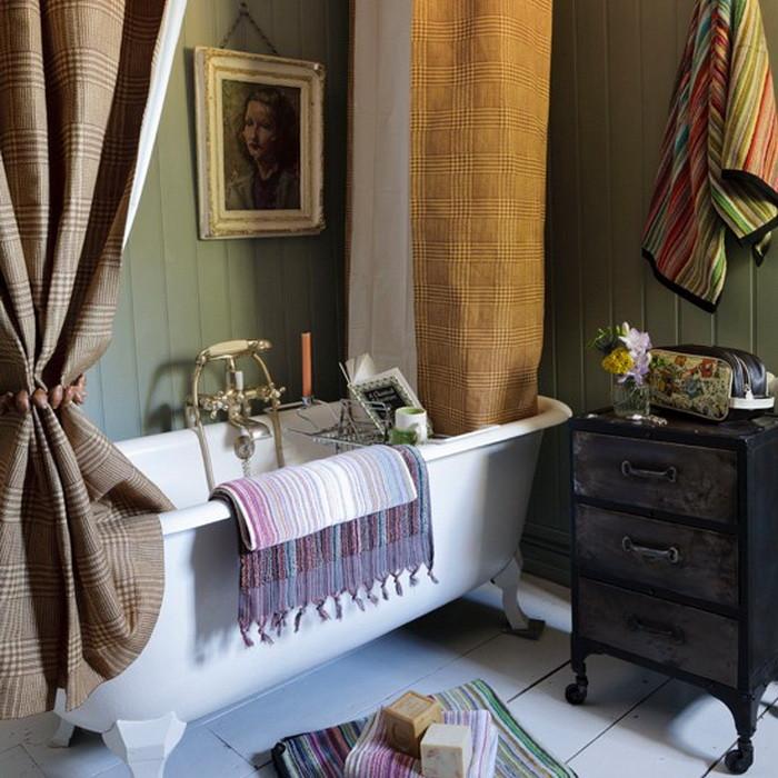 Картина в ванной в стиле ретро