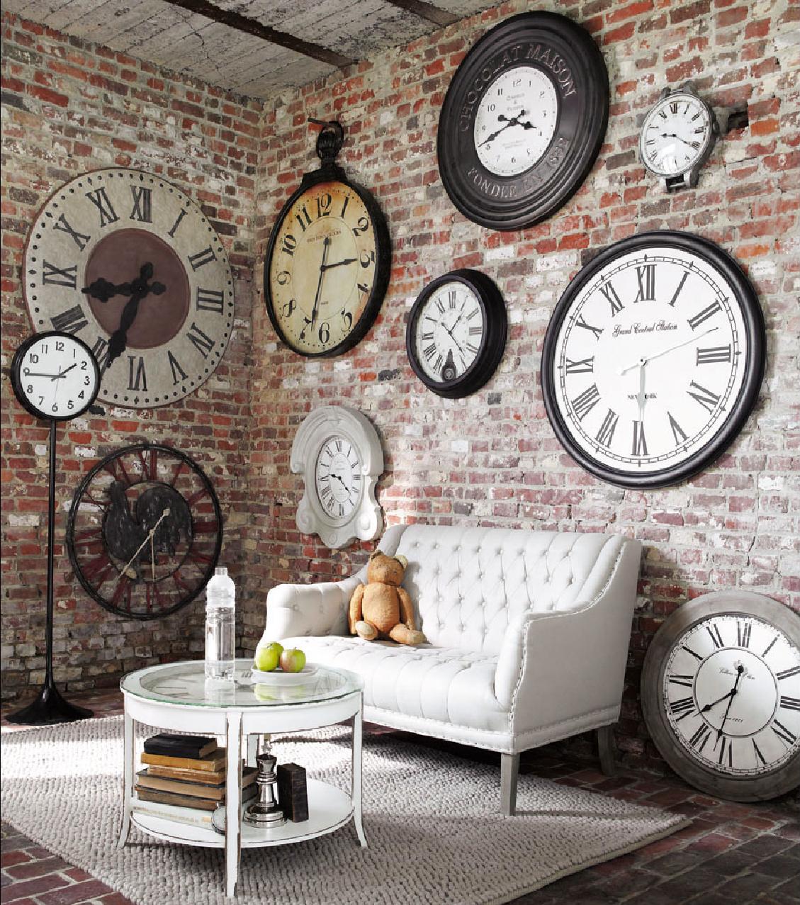 Использование часов в интерьере