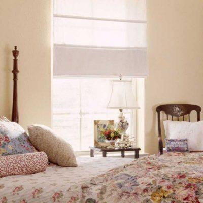 Романтическая спалня со шторами
