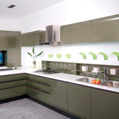 Темный цвет кухни угловой