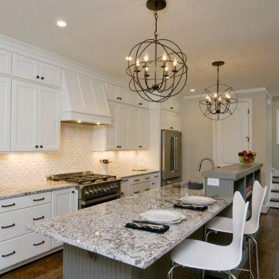 Необычные люстры на кухне
