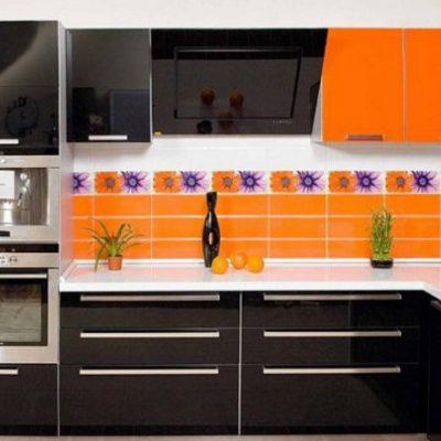 Оранжево-черная кухння