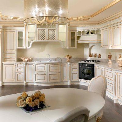 Красивая кухня белых тонов
