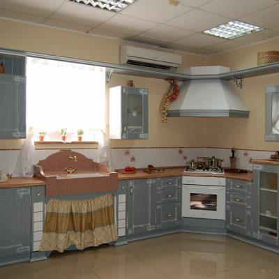 Темно голубой оттенок кухни