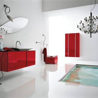Ярко красная ванная