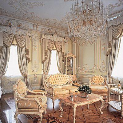 Прихожая барокко богатая