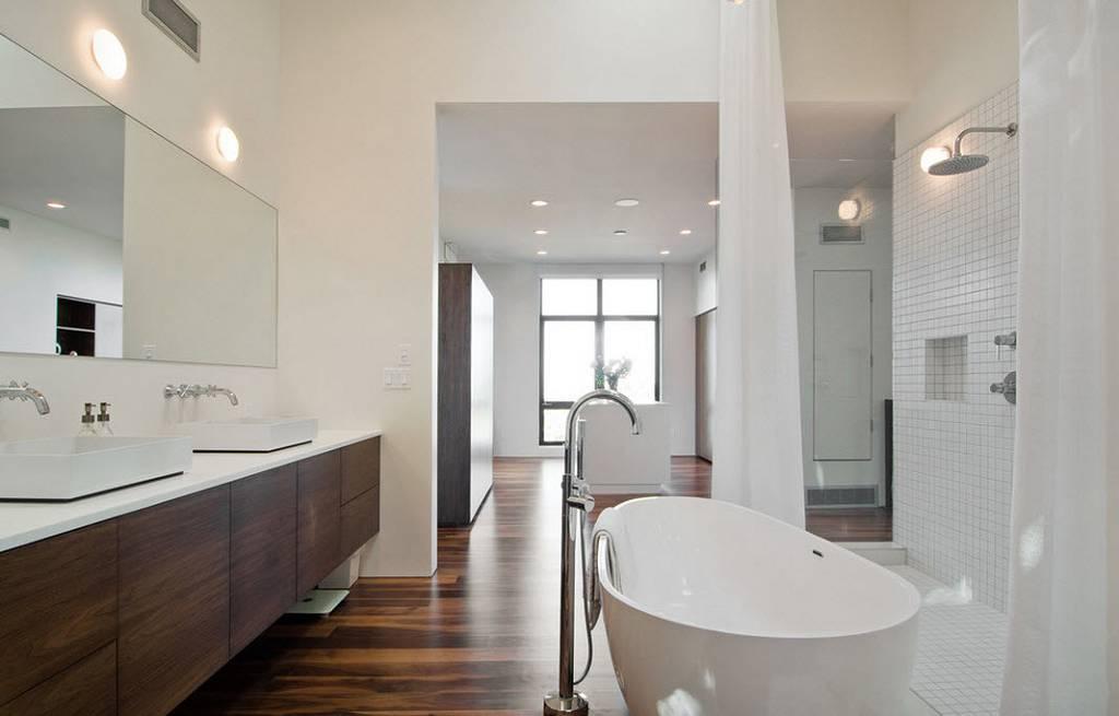 Ламинат на полу ванной