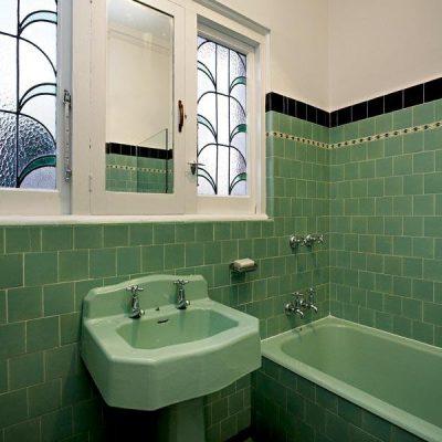 Оформление стекл ванной