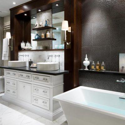Полки в интерьере ванной