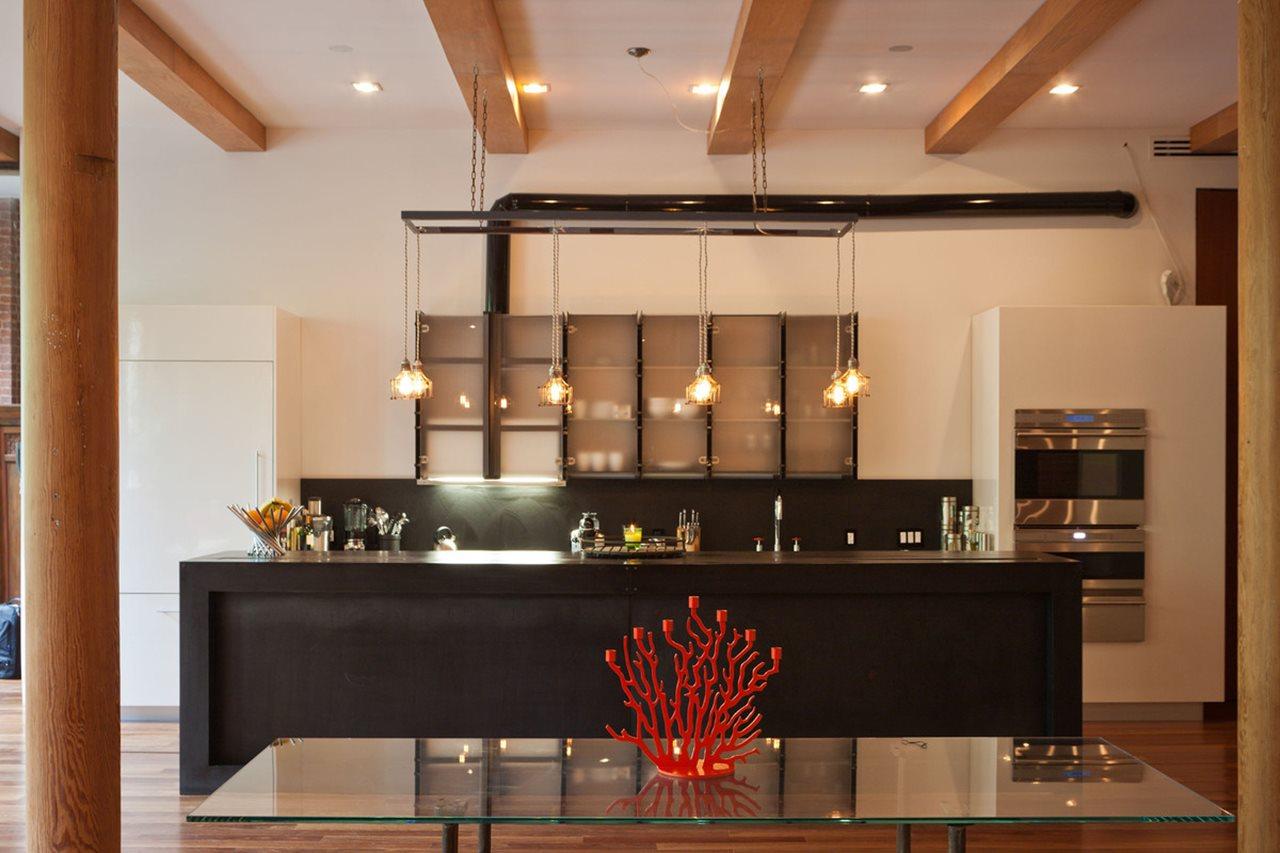 Как оформить просторную или небольшую кухню в стиле лофт