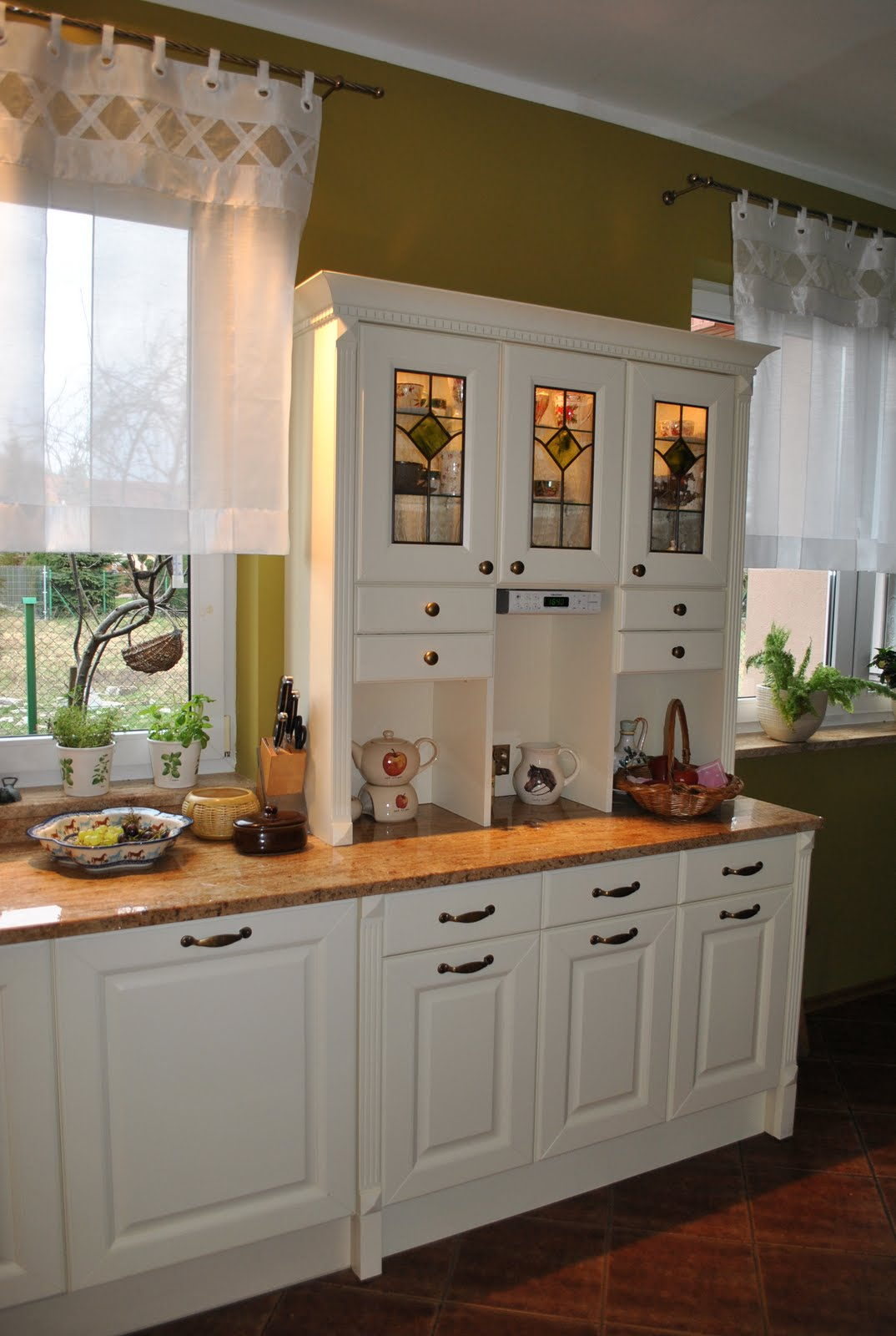 English country kitchen pictures English Country Style Kitchens - Interior Design Ideas