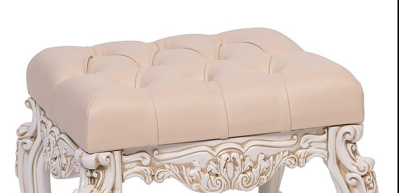 Банкетка белая на фото для интерьера мягкая прованс