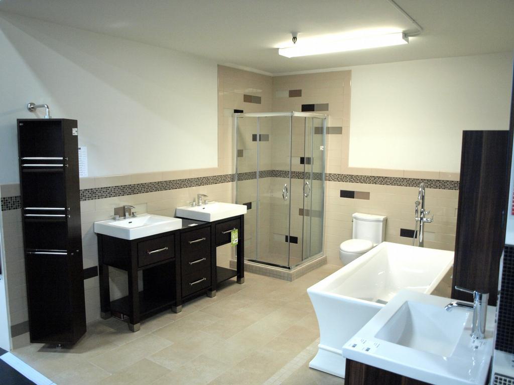 Черная мебель ванной