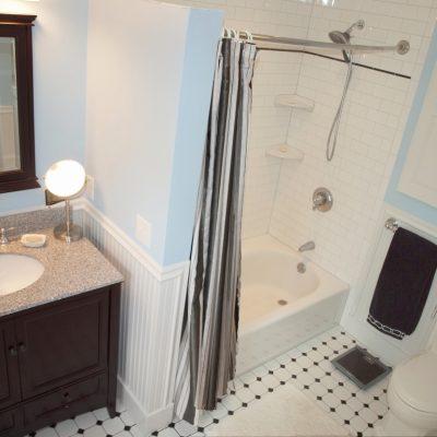 Миниатюрная ванная комната в стиле арт-деко