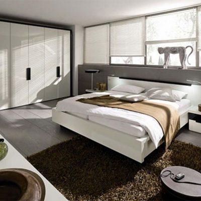 Большая стенка в спальне