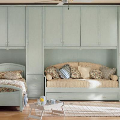 Две кровати в интерьере