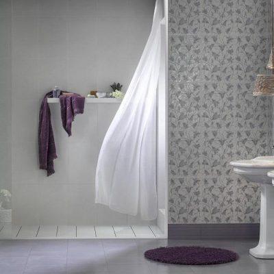 Фиолетовый коврик в интерьере