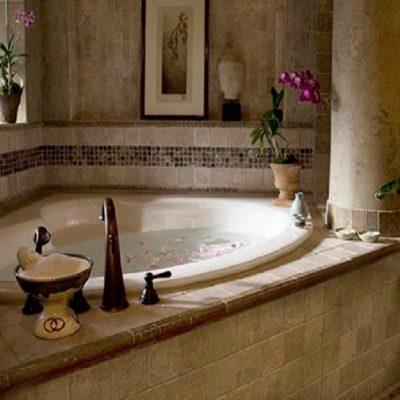 Угловая ванная на фото