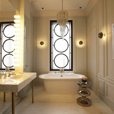 Ванная комната просторная фьюжн стиля на фото