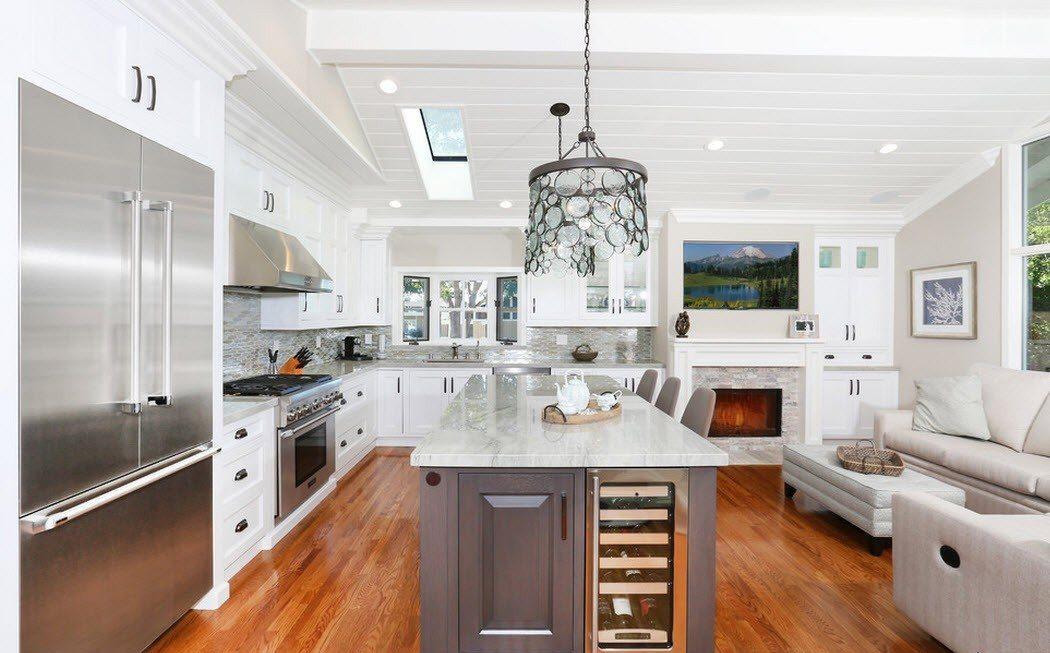 Светлая кухня в стиле модерн на кухне