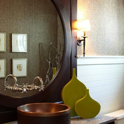 Деревянное зеркало
