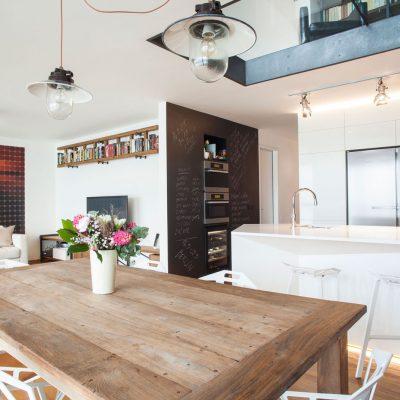 Светлая мебель кухни