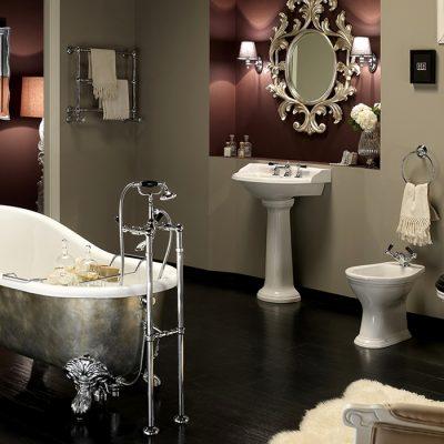 Ванна в зеркало