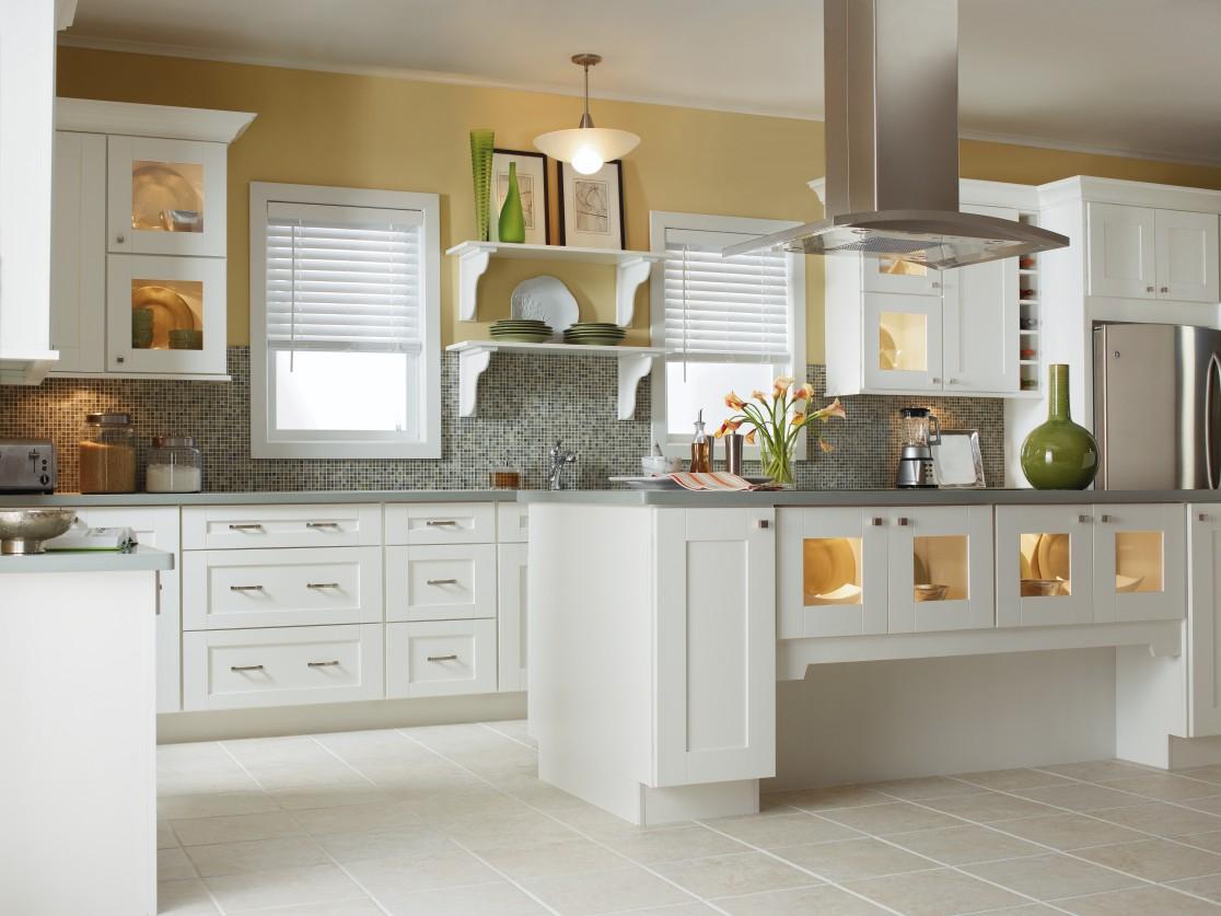 Белая гарнитура кухни