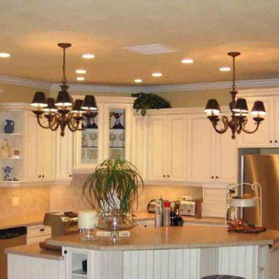 Две люстры на кухне