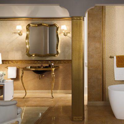 Золотистые тона в ванной