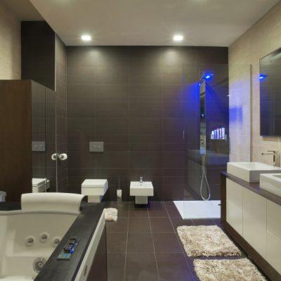 Длинная ванная