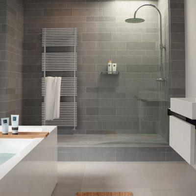 Серая стена в ванной