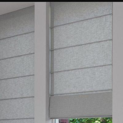 Классические римские шторы серого цвета