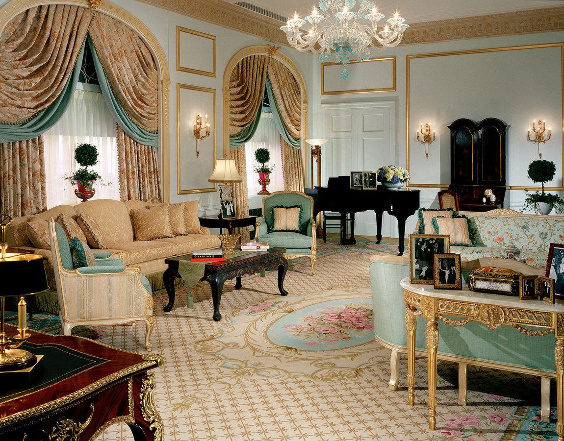 Рисунки на классических шторах - это чаще всего растительные орнаменты