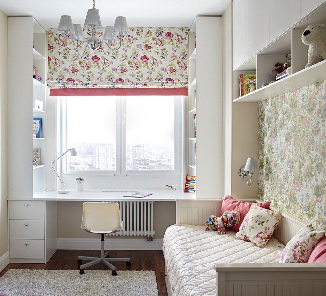 Интересным решением для небольшой комнаты станет письменный стол-подоконник