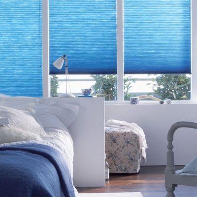 Голубое соотношение штор си стен